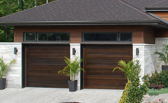 Portes de garage en bois sur mesure portes bourassa for Porte de garage de plus porte en bois sur mesure